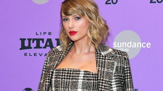 taylor-swift-scn-jan-2020-x-billboard-1548-1583268387-1024×677-1