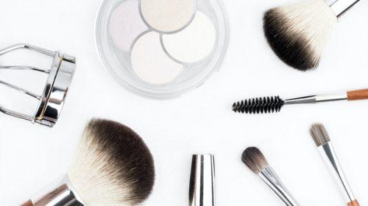 dostavka-na-kozmetika-do-vkyshi-nov-i-lesen-nachin-da-se-poglezite